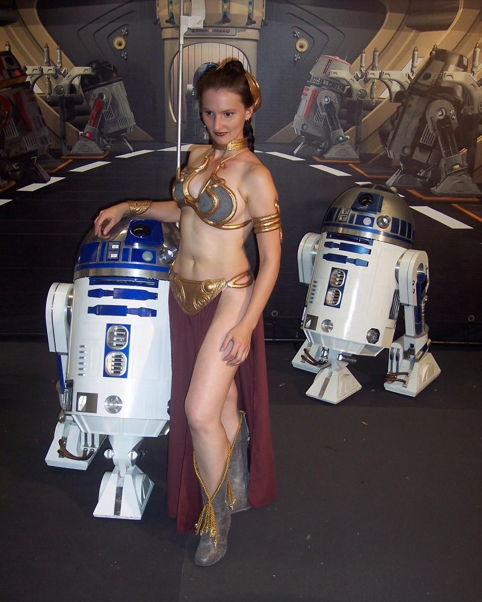 Leia slave_01