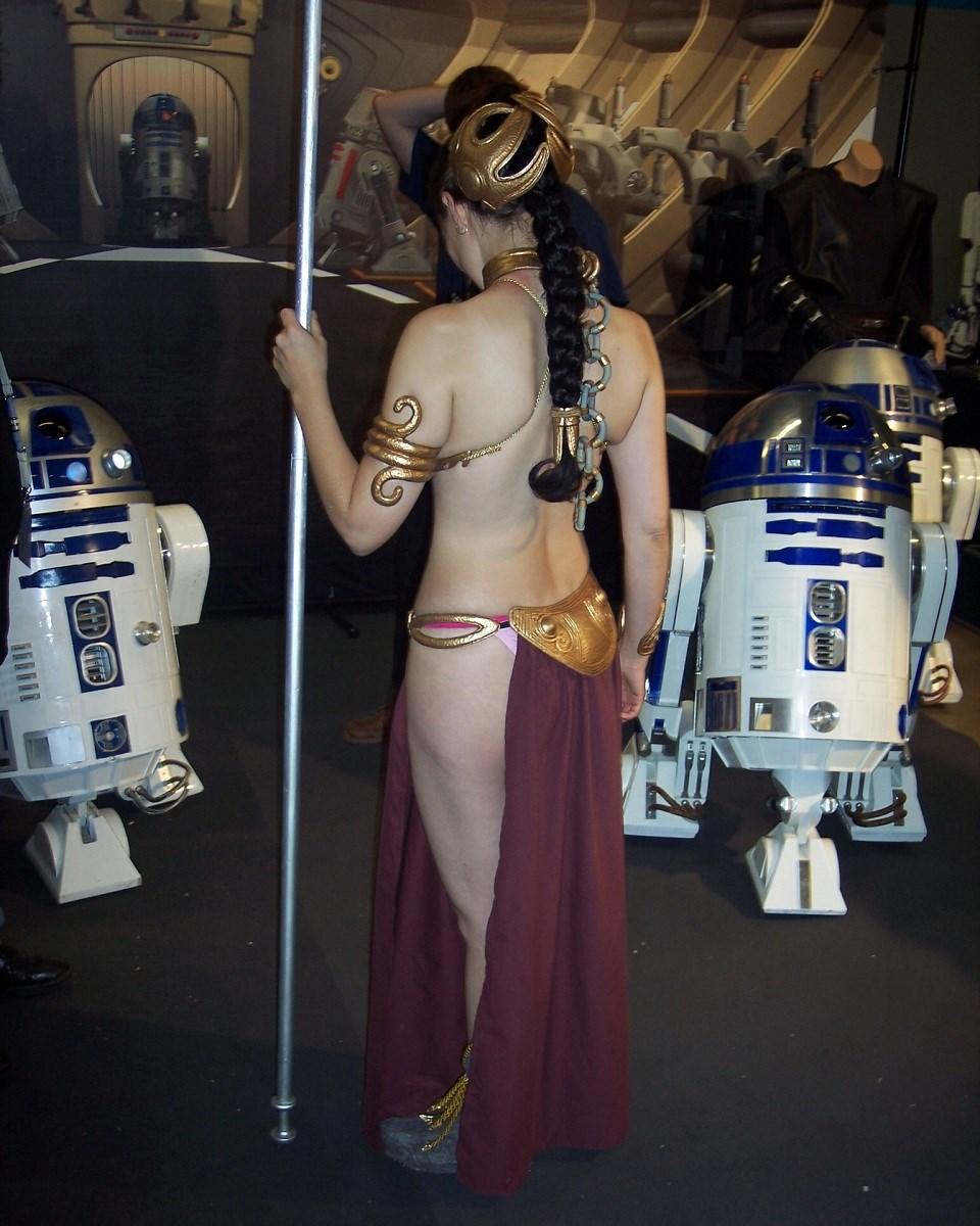 Leia slave_06