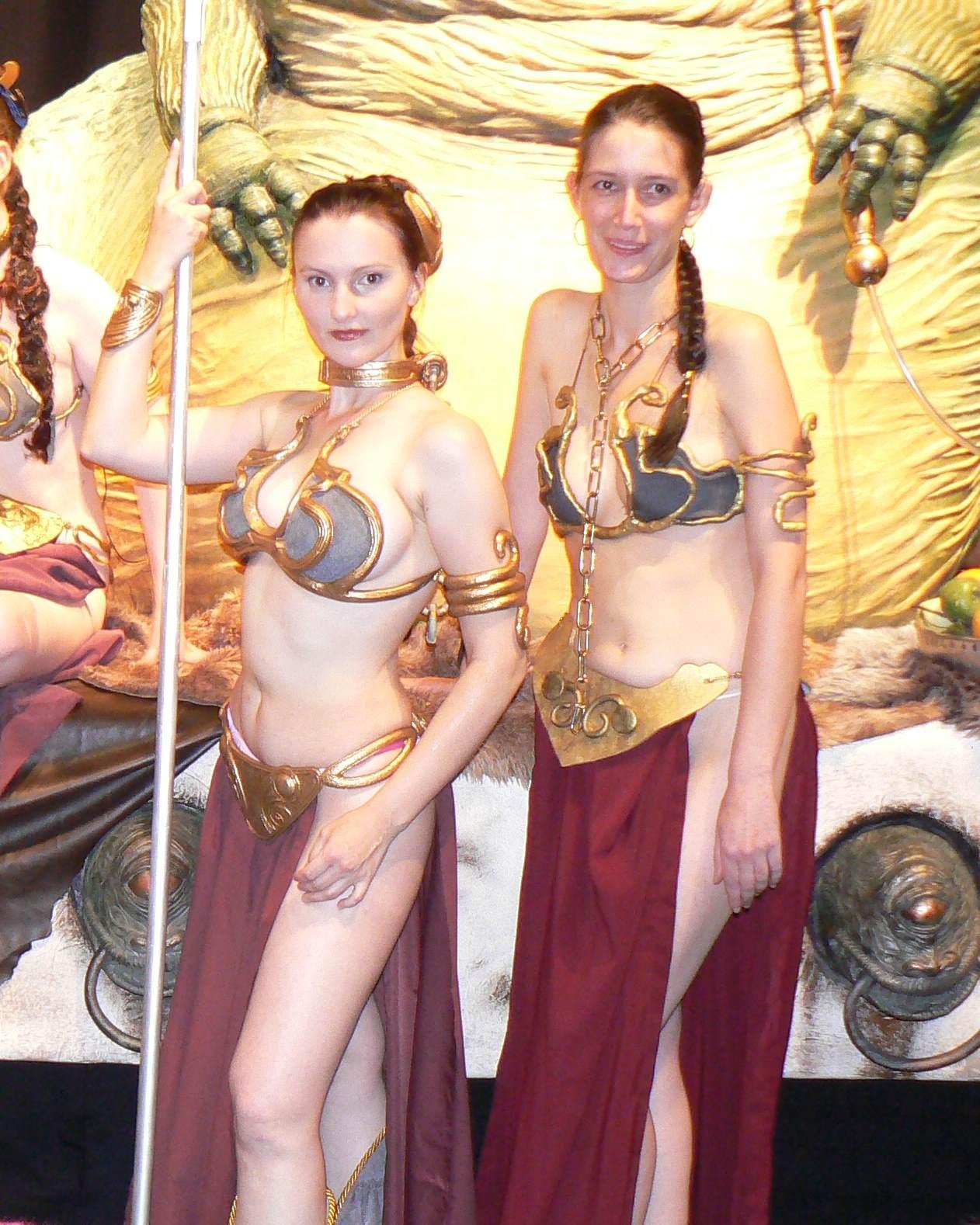 Leia slave_08