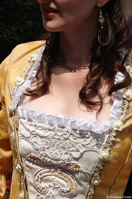 Elizabeth gold_16