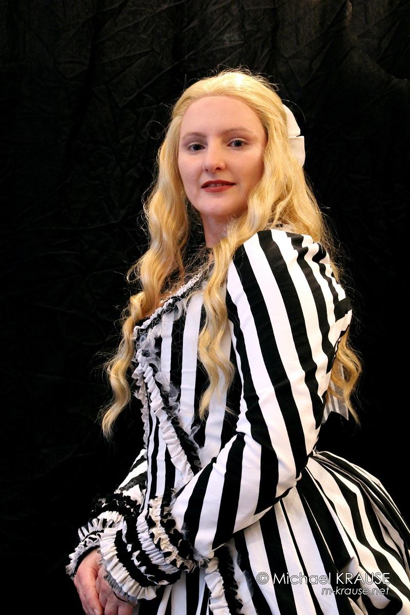 Katrina van Tassel_27