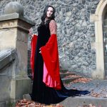 Arwen blood red